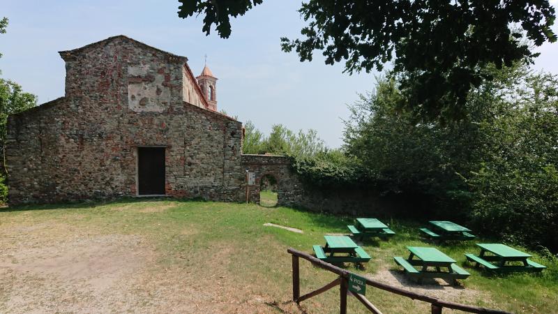 Chiesa di Santo Stefano (XI sec.) in Candia con annessa area attrezzata di sosta